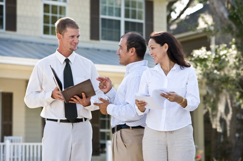 7 Points to consider When Selecting a house Manager