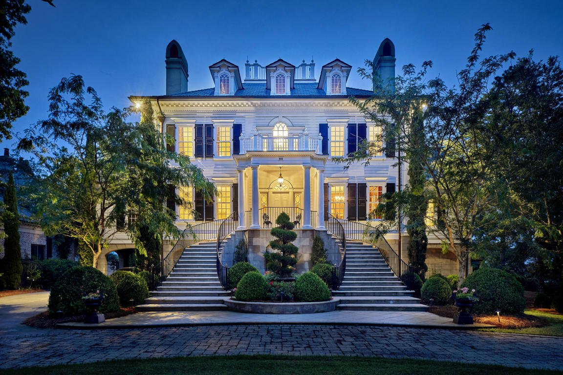 How to locate a Custom or Luxury Home Builder