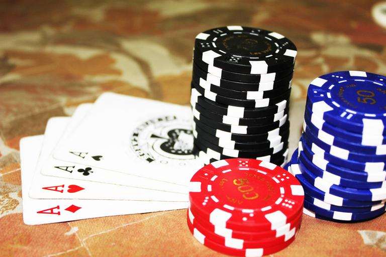 Why Should One Start Playing And Choosing Online Platform For Gambling Games?