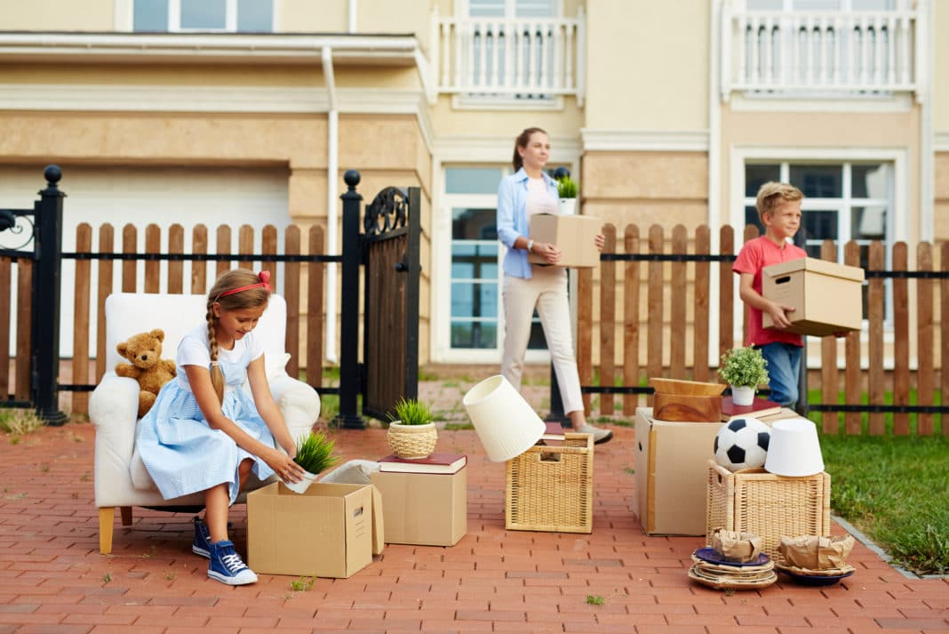Why You Should Avoid Cheap Movers and Packers