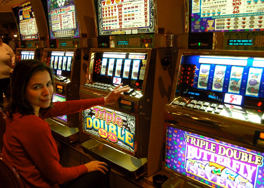 The History of Slots: Types and Variants